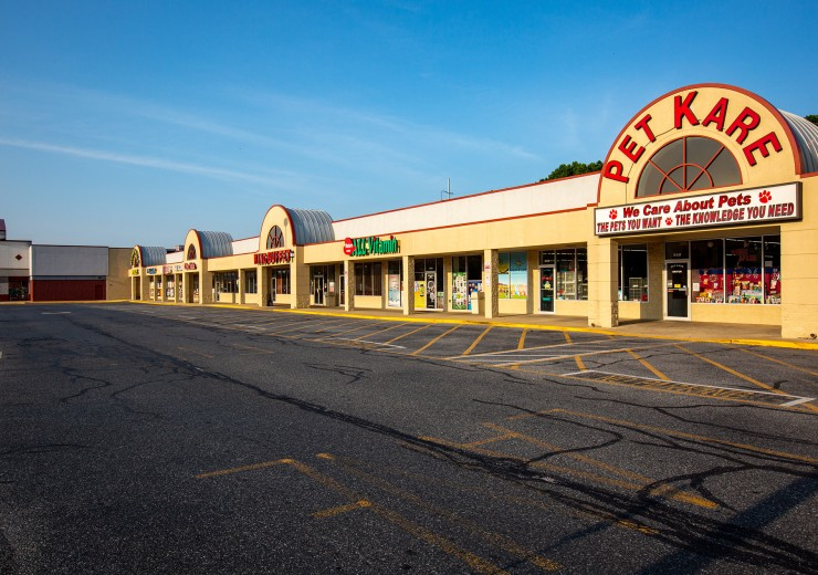 Pencader Plaza  |  100 Pencader Plaza  |  Newark, DE  |  Retail, Shopping Center  |  6,000 SF For Lease  |  1 Space Available